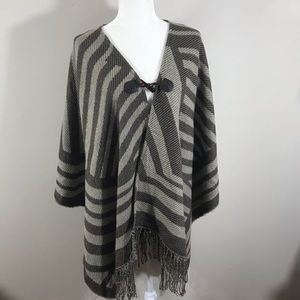 Vintage open oversized cape with toggle one size